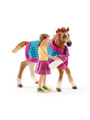 Schleich 42361 Pferd Fohlen mit Decke
